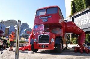 Cerny art in London, bus