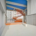 118 Subsidized dwellings, offices, retail spaces and garage / Amann Canovas Maruri © David Frutos