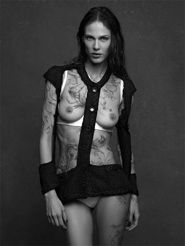 Chanel-The-Little-Black-Jacket-Fall-2012-by-Karl-Lagerfeld-012