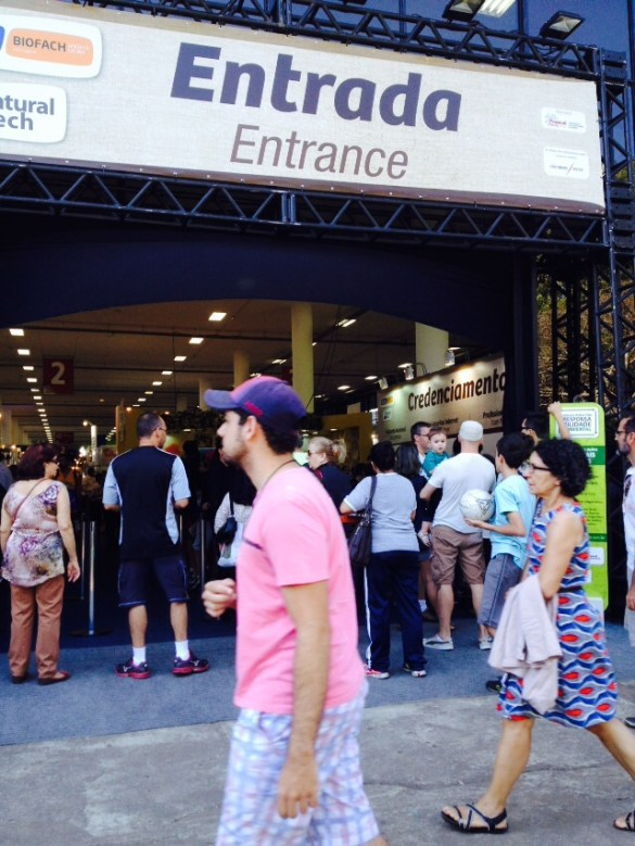 Pavilhão da Biernal sediou feira internacional de produtos orgânicos
