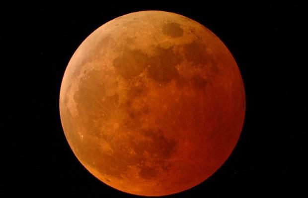 Eclipse lunar set