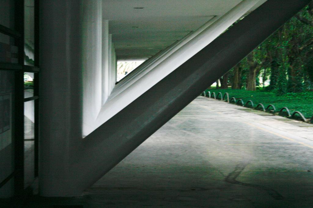 Museu Afro-Brasil (Pavilhão Manoel da Nóbrega, antigamente Palácio das Nações), Oscar Niemeyer. Foto por André Deak para o Arte Fora do Museu (Flickr)