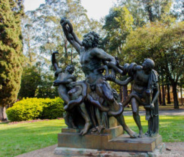 Laocoonte e seus fiilhos, escultura realizada pelo Liceu de Artes e Ofícios. Parque Ibirapuera, nas proximidades do Portão A9.
