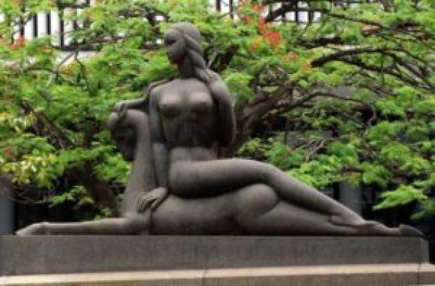 Foto: Largo Dona Ana Rosa com a escultura A caçadora, em uma fotografia de 1953 (fonte: http://hagopgaragem.com/index.html)