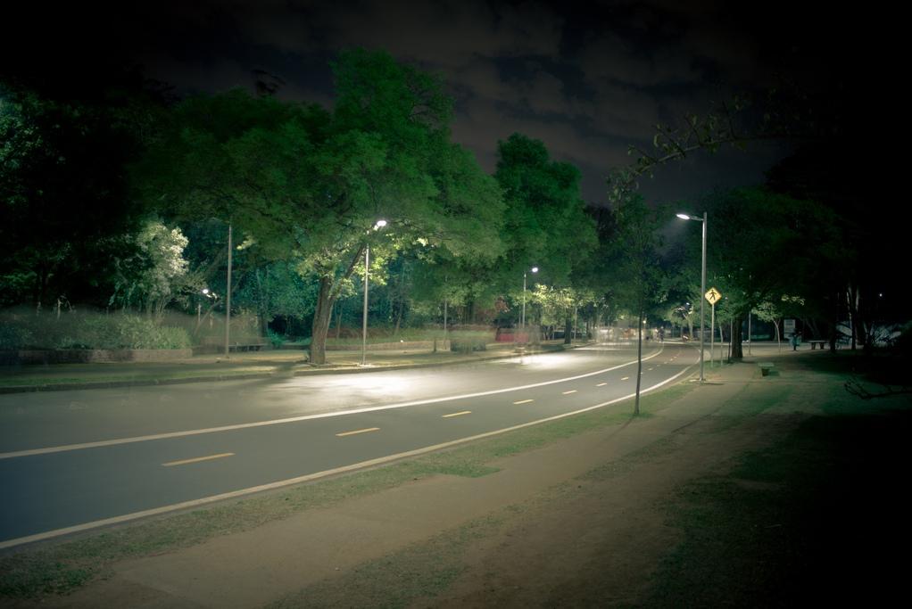 Parque Ibirapuera à noite. Foto: Fábio Raphael.