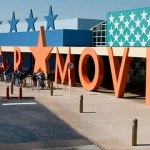 Disney's All-Star Movies Resort es un Hotel Disney de categoría económica, con íconos gigantes que celebran las clásicas películas de Disney—incluyendo Toy Story de Disney•Pixar, Fantasia, The Love Bug, The Mighty Duck y One Hundred and One Dalmatians.