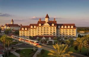 El monoriel posee parada en el Hotel Disney's Grand Floridian Resort & Spa