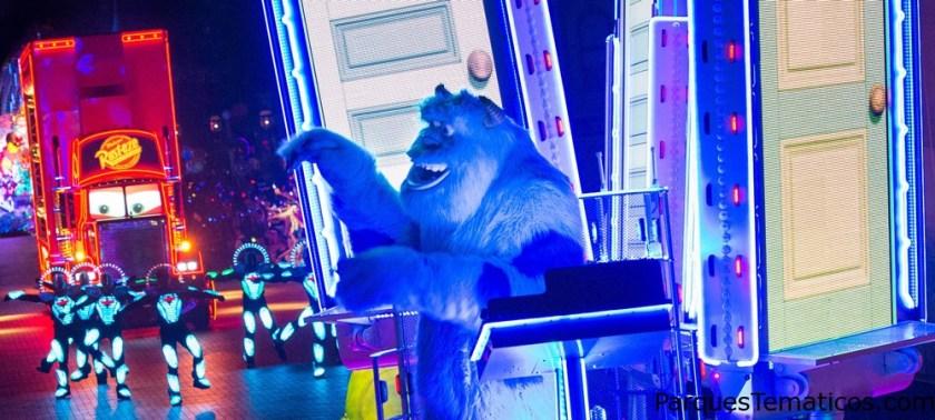 Deleita tus sentidos al presenciar este electrizante espectáculo con tus queridos personajes de Disney.