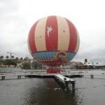 Characters In Flight en Downtown Disney