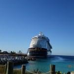 Vista del exterior del barco, cuando bajamos en Castaway Cay