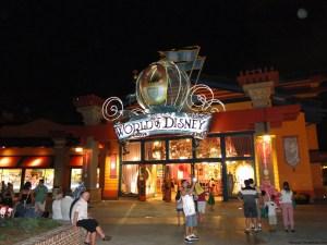 El negocio más grande que vende todo lo que es posible adquirir en los parques Disney