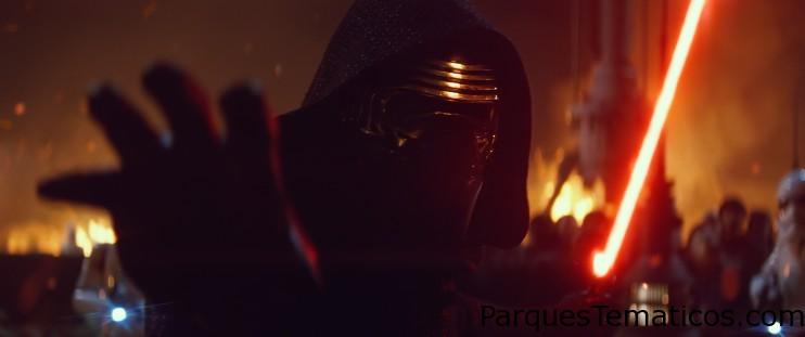 El villano de Star Wars Kylo Ren llega a Disney World y Disneylandia