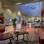 Date un gusto en el galardonado spa de Disney's Saratoga Springs Resort & Spa y disfruta de bebidas, frutas y snacks de cortesía durante tu visita. Té y refrescos para clientes del spa en Disney's Saratoga Springs Resort & Spa
