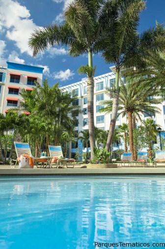 La piscina del Loews Sapphire Falls Resort Brings a New Island Paradise to Life at Universal Orlando Resort