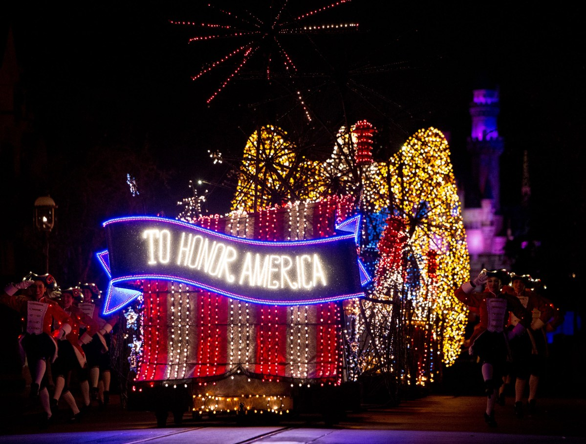 Datos curiosos y divertidos de Main Street Electrical Parade