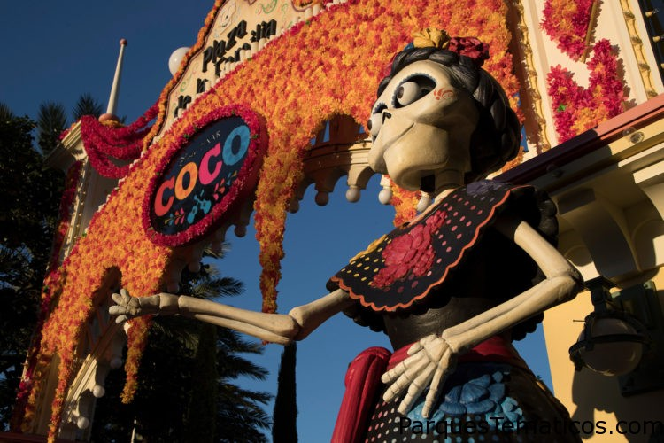 Celebra 'Coco' de Disney•Pixar y los eternos lazos familiares en el Disneyland Resort desde septiembre a noviembre
