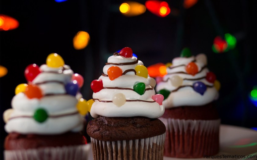 Christmas Tree Light Cupcakes - Halloween Horror Nights 2018