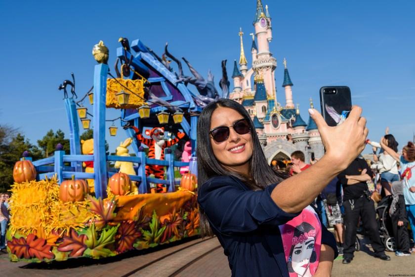 Salma Hayek fan de Halloween en Disneyland Paris