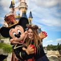 Blake Lively celebra Halloween en Disneyland Paris