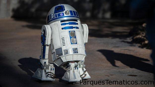 R2-D2 ahora se desliza alrededor de Star Wars Galaxy's Edge en el parque Disneyland