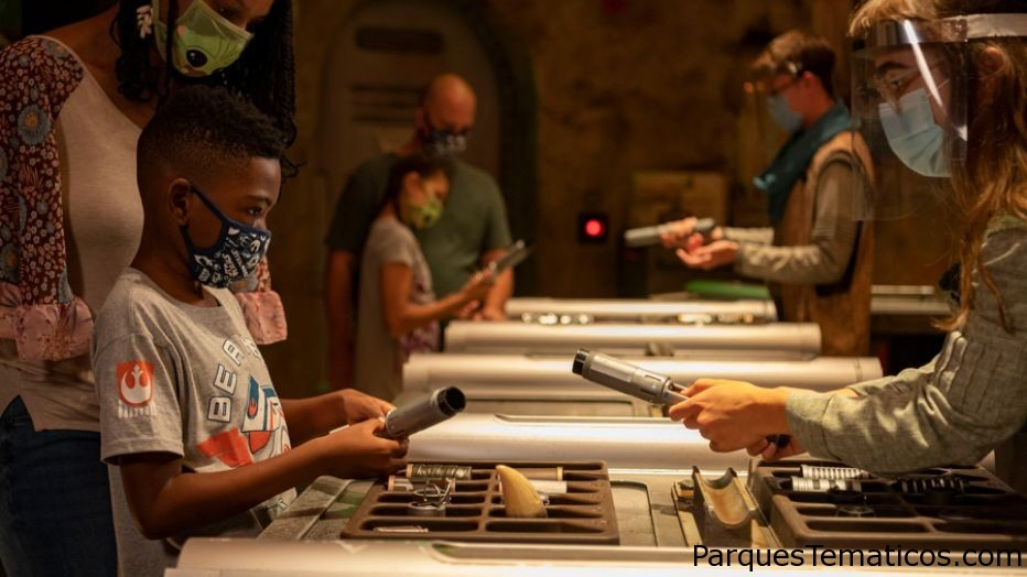 'Savi's Workshop' to reopen at Disney's Hollywood Studios, allows guests to build lightsabers