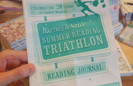 Fun, Cheap, and Easy Ideas to Do With Your Kids Today- Barnes and Noble Summer Reading Triathlon