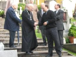 don Luca Guerinoni con il vescovo Mons. Roberto Amedei
