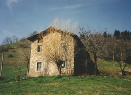 La casa in Ceradello, frazione di Premolo in cui Domenica va ad abitare con la nonna dopo la morte del padre, vi rimane fino a 18 anni.