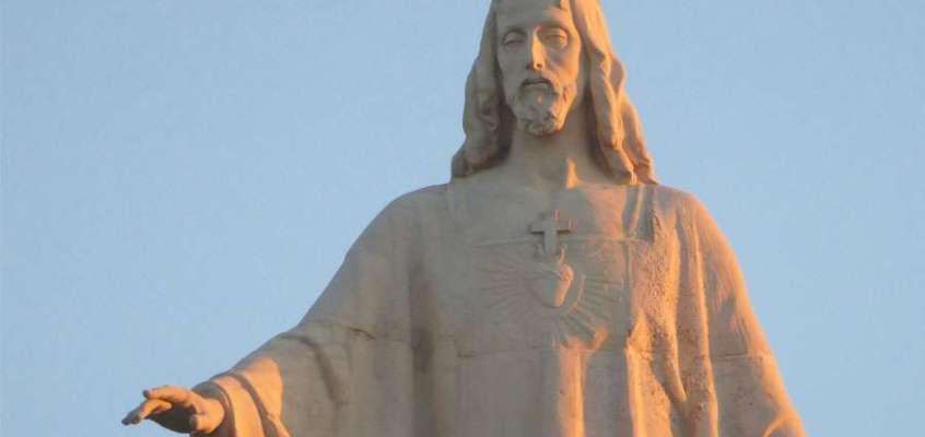 Conferencia Consagración al corazón de Jesús.