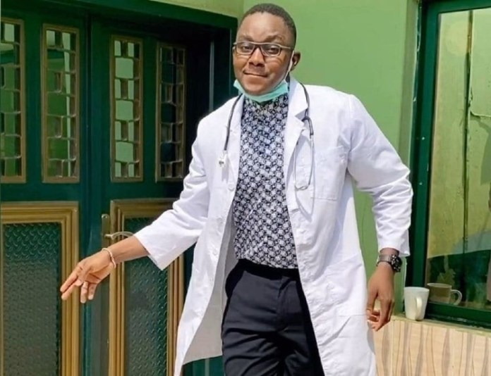 "Nigerian doctor shows off his incredible ""Legwork"" dance steps (Video)"