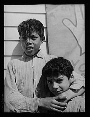 A group of Gypsy children on U.S. 13 five miles south of Salisbury, Maryland2