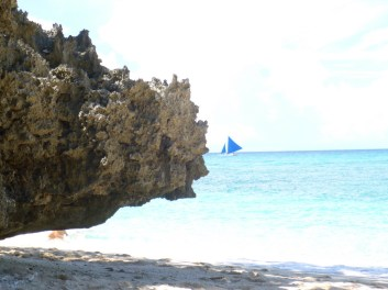 Traditional sailing boat, Puka beach