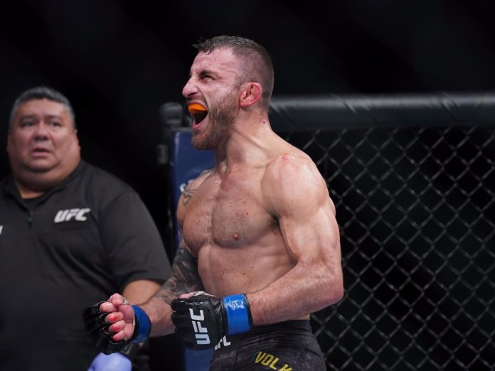 https://www.mmamania.com/2019/5/14/18623090/ufc-alexander-volkanovski-hospitalized-chile-blood-infection-mma