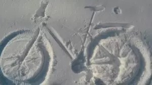 Fatbike snow angel