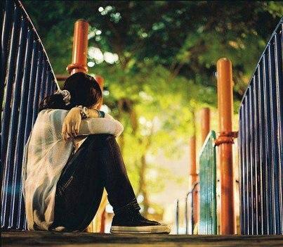 عکس دختر تنها و غمگین و گریه دار