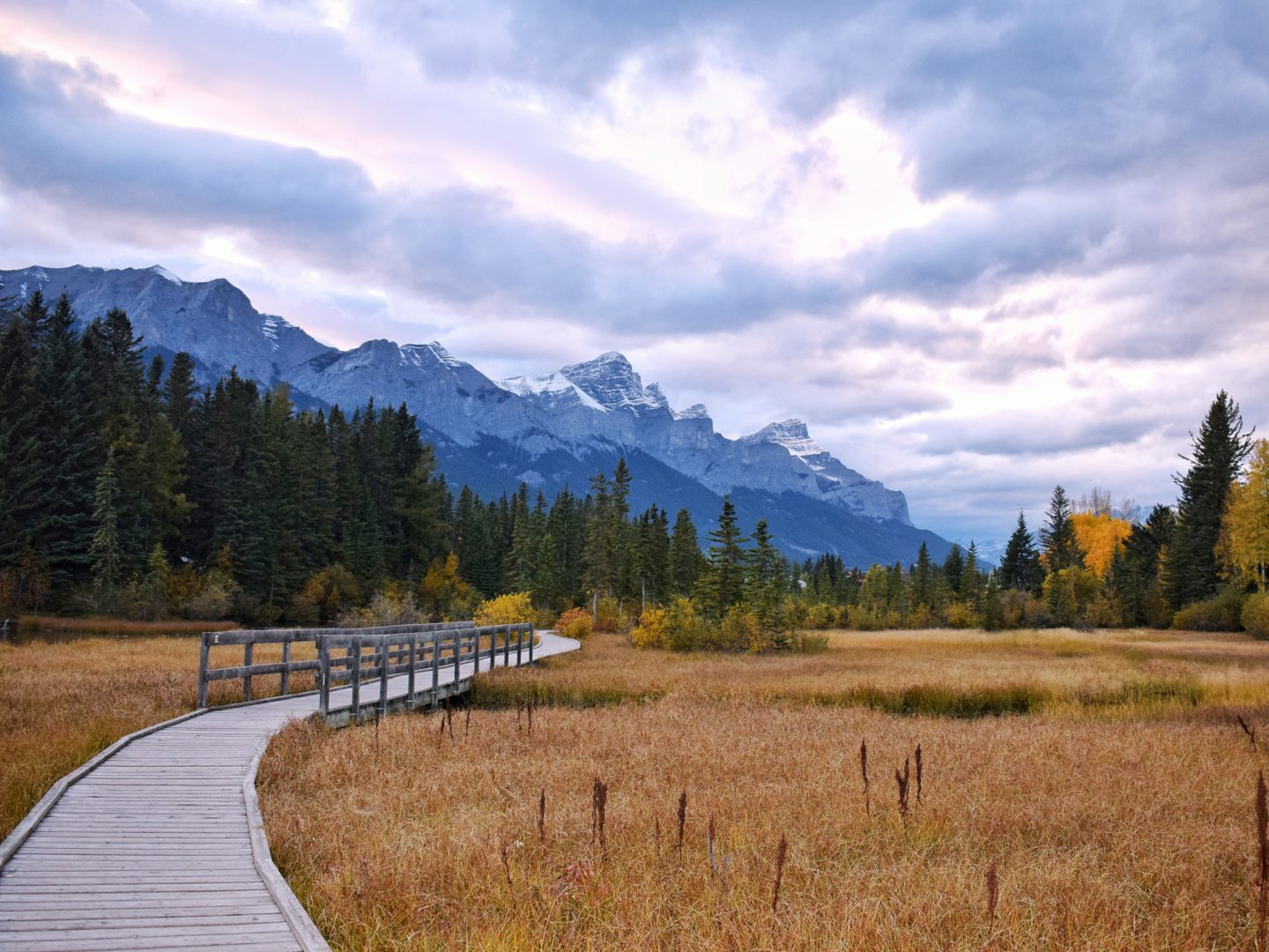 How to travel more with a full-time job mountains in Canada