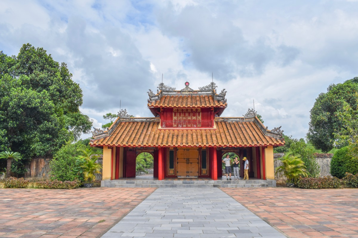 Hue in a Day: Tombs, Temples and Tiger beer