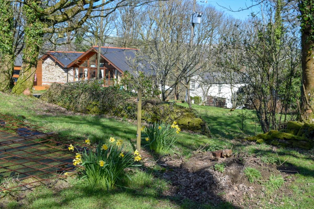 Woodlands Bistro Tondu sensory garden Wales