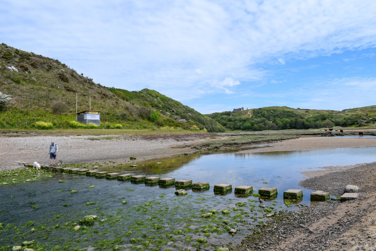 Three Cliffs Bay beaches in the Gower Peninsula South Wales - UK travel