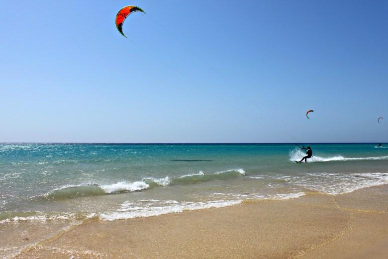 Kitesurf presso la Spiaggia di Jandía, Fuerteventura