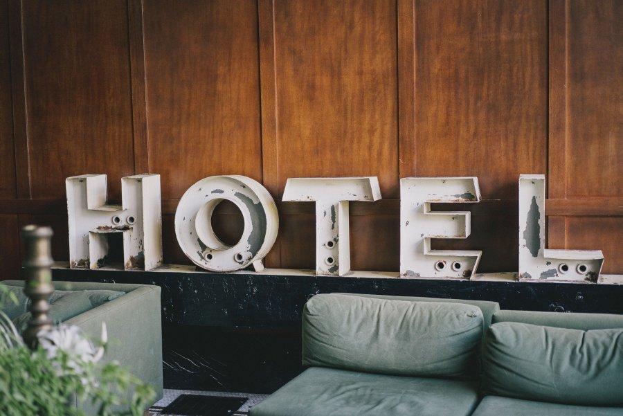 scritta Hotel