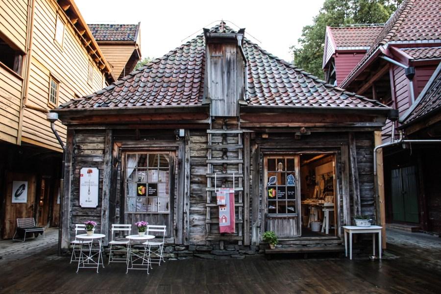 All'interno del quartiere Bryggen, Norvegia