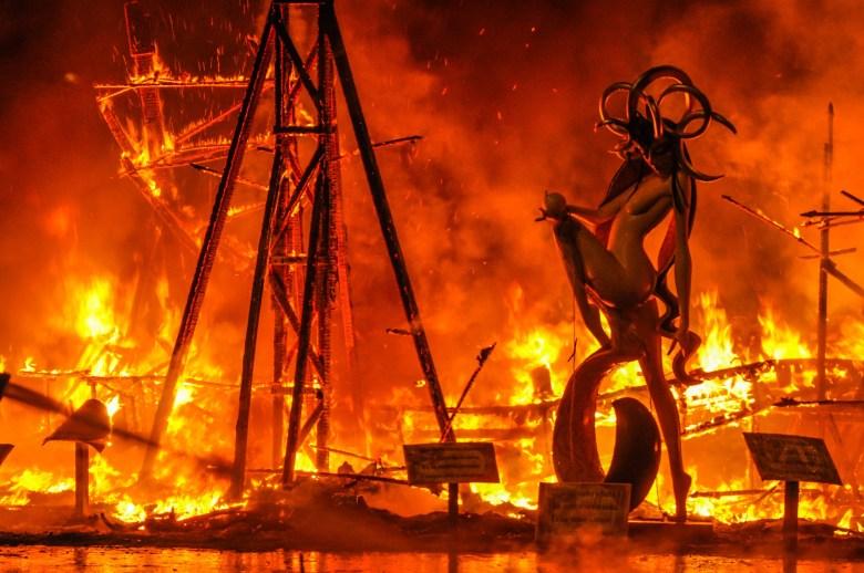 La cremà, l'incendio de las fallas, Valencia