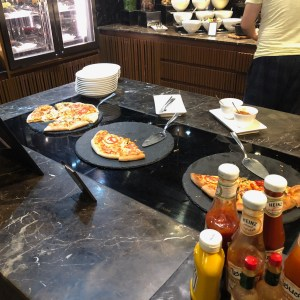 Both Vegetarian and Non Vegetarian Pizza was served during every Evening Tea session every day