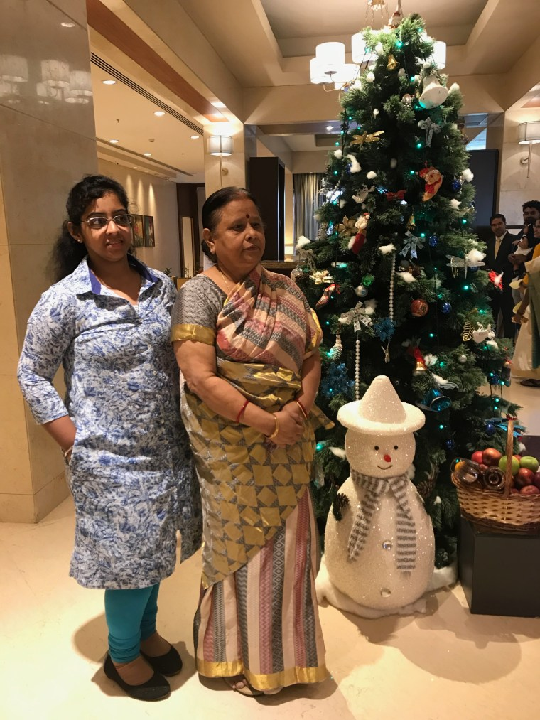 The Hotel was in Christmas celebrations. Maa and Riya