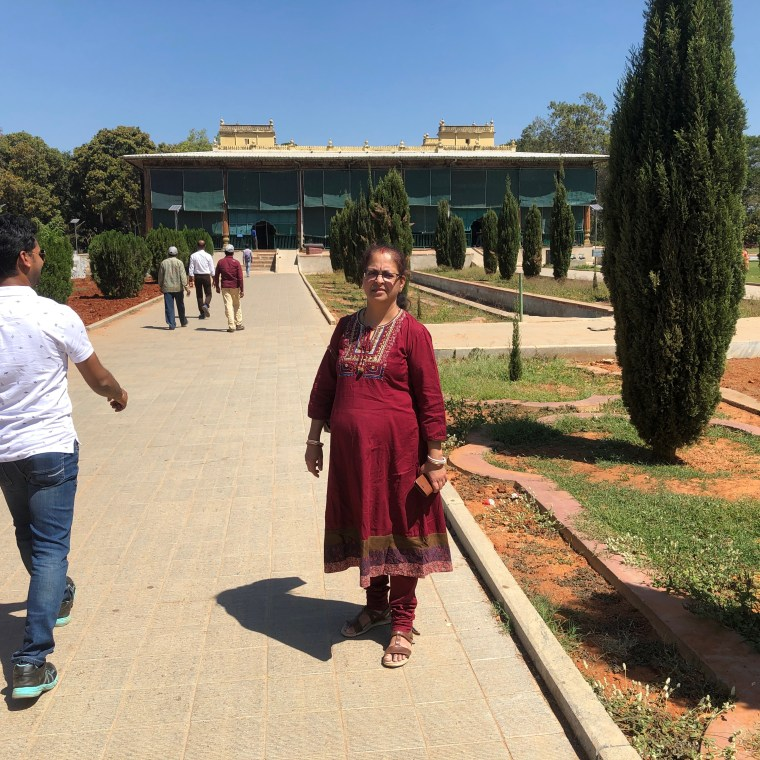 Deepshree on her way to the Tipu Sultan Summer Palace