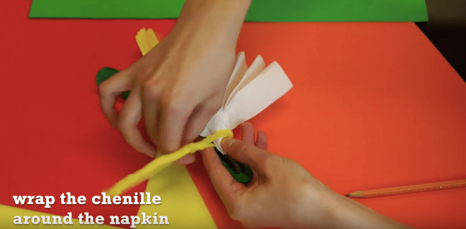 Want an easy Thanksgiving craft you can do with the kids that doubles as a DIY Thanksgiving napkin ring? This cute turkey craft is the perfect homemade Thanksgiving napkin ring! #Thanksgiving #DIY #Autumncraft #holidays #Thanksgivingtable #Thanksgivingdecorations