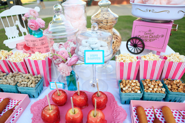 15 Girly Birthday Theme Ideas for Little Girls : Vintage Carnival Birthday