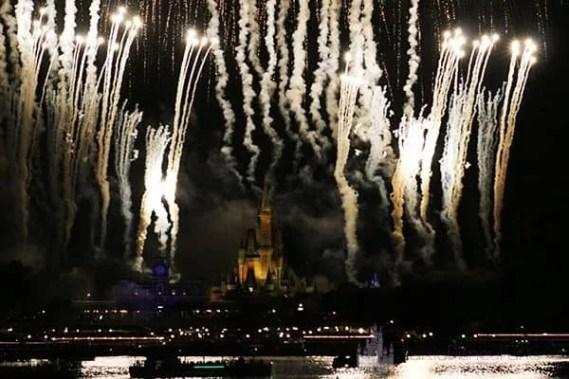 Fireworks Ferrytale Um cruzeiro espumante de sobremesa