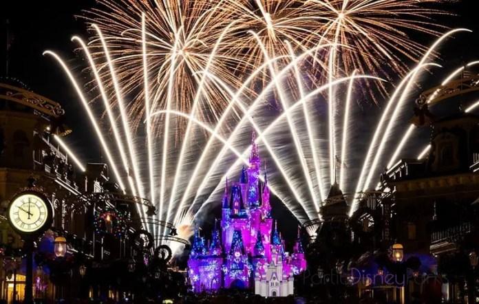 fireworks-mickeys-very-merry-christmas-party